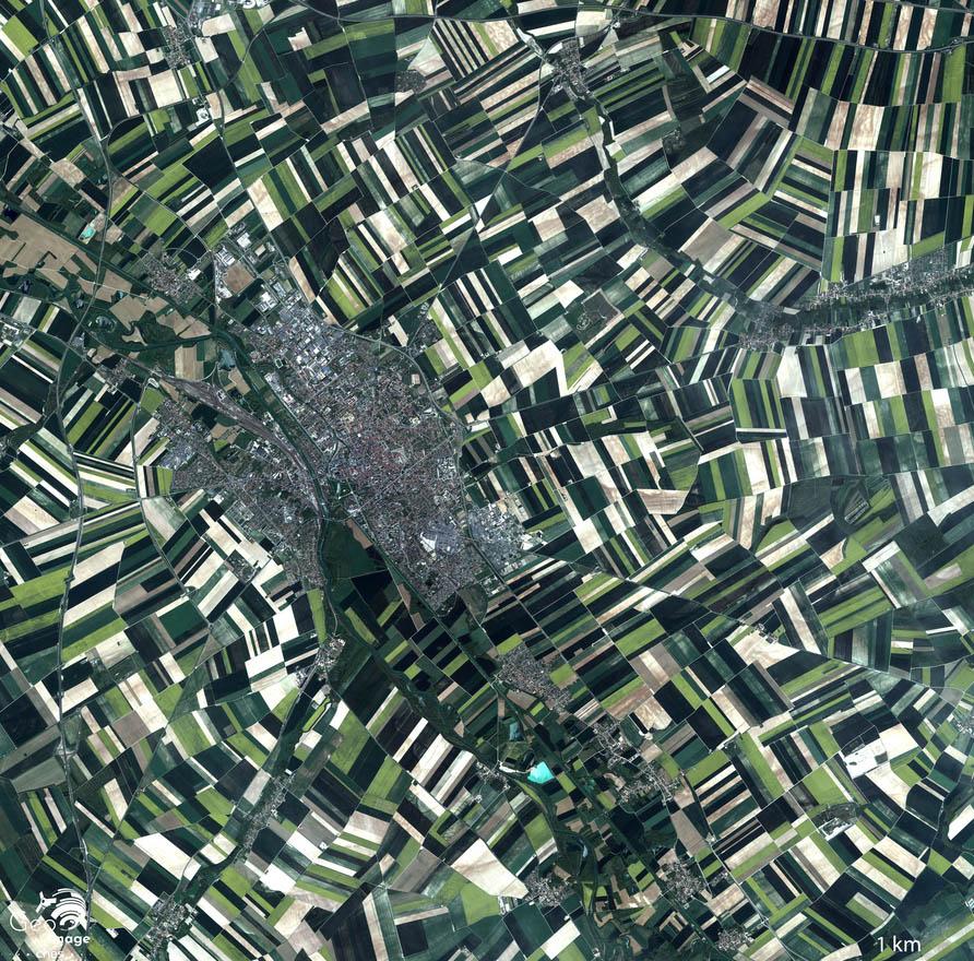 Vue de Châlons-en-Champagne prise par un satellite depuis l'espace.