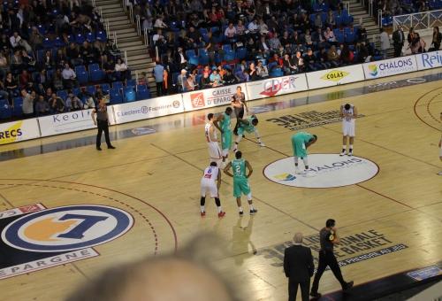 Le Champagne Châlons Reims Basket sur le stand du Département
