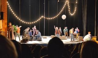 Les collégiens dans les coulisses de l'Opéra